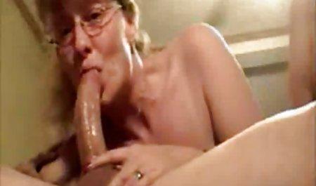 مامان به پسرش اجازه داد سینه های لختش را زیر بلوز ببیند داستان سکسی خارجی