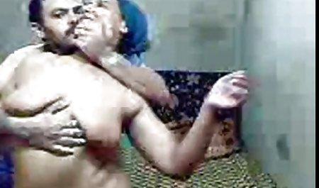 مردی با دانلود فیلم سکسی خارجی شهوانی یک بز ، در گربه الاغ ، با فشار دادن یک تلیسه به مبل با انتهایی بر روی صورت ، گرفتن گلو خود را