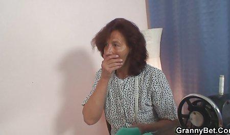 تازه متولدین روستایی ، عروسی خود را در سامرا جشن می گیرند و دوستان را دعوت می کنند فیلم سکسی توپ خارجی و مدتی همجنسگرایانه تبادل می کنند