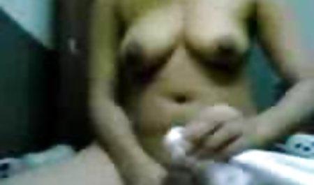 با مکیدن دیک کوچک خود با جاروبرقی و خندیدن ، یک عکس های سکسی خارجی برده مقصر را طعمه کنید