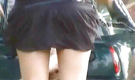دختری برده برهنه با دستبند دانلود فیلم سکسی خارجی جدید ، روی زانوانش قرار گرفت و مجبور شد کاملاً اطاعت کند
