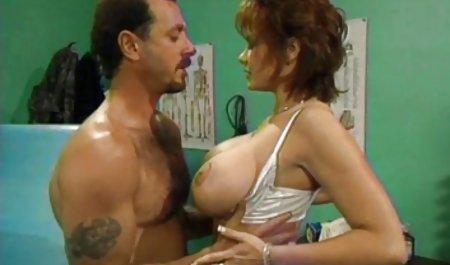 مرد طاس بیشترین فعالیت را در عیاشی بالگرد دارد ، او هر آنچه را که حرکت اینستاگرام خارجی سکس می کند دود می کند