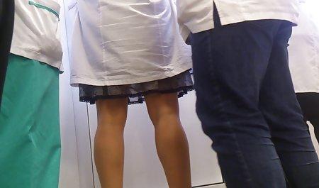 تنها فیلم سکس دکتر خارجی مرد به تیم بانوان آمد که بلافاصله توسط بانوان اجازه ورود یافت